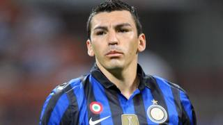 L'ex difensore dell'Inter, Lucio . Forte