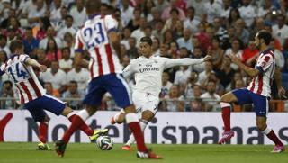 Cristiano Ronaldo in azione contro l'Atletico. LaPresse