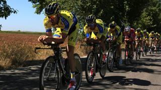 Alberto Contador prova il tracciato della cronosquadre di Jerez de la Frontera