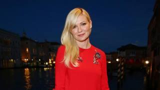 Una splendente Kirsten Dunst illumina Venezia