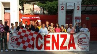 Un gruppo di supporter della squadra veneta. Arch. Gazz.