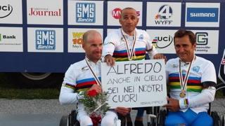 Da sinistra: Vittorio Podest�, Luca Mazzone e Alex Zanardi.