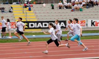 Bambini si sfidano...di corsa
