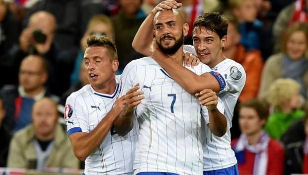 Simone Zaza, 23 anni, festeggia il suo primo gol con la Nazionale. Epa