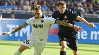 Mateo Kovacic, a destra, in azione contro il Sassuolo. Ansa