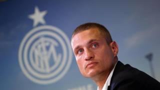 Nemanja Vidic, 32 anni, prima stagione all'Inter. Ansa