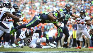 Il touchdown di Marshawn Lynch nel match tra i Seahawks e i Broncos. AP