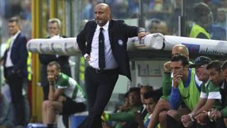 Stefano Colantuono, 51 anni, spera nel recupero di almeno uno tra Biava e Benalouane in vista della gara con l'Inter. Getty