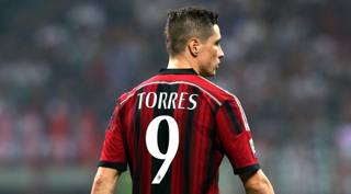 Fernando Torres, 30 anni, � pronto al debutto dal 1' con la maglia del Milan. Forte