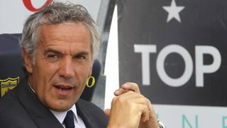 Roberto Donadoni, 51 anni, sulla panchina dello stadio Bentegodi dove il suo Parma ha raccolto una splendida vittoria in rimonta. Getty