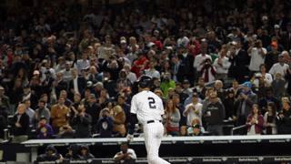Derek Jeter, 40 anni, sta giocando l'ultima serie nel suo Yankee Stadium: a fine stagione si ritirerà ACTIONA IMAGES