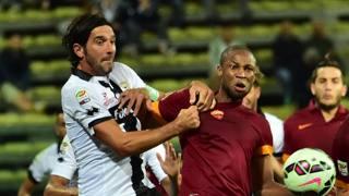 Lucarelli si strattona con Keita in Parma-Roma. Afp