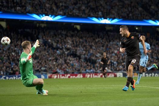 E infatti, al 23' del primo tempo il Capitano firma un gran gol superando Hart con un tocco sotto morbidissimo. Afp