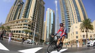 Taylor Phinney nella crono del Dubai Tour, vinto poi dallo statunitense. Bettini