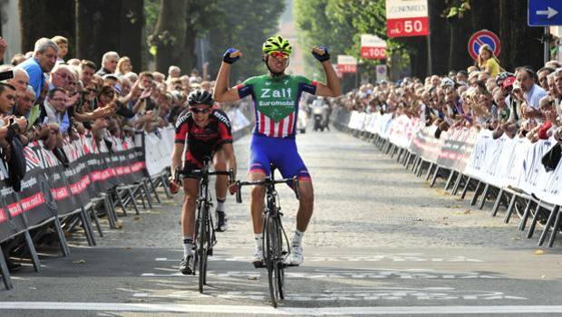Gianni Moscon, 20 anni, vince a Oggiono. Soncini