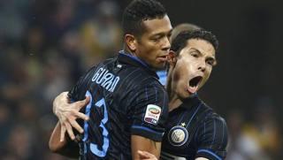 Guarin e Hernanes, entrambi in gol contro il Napoli. LaPresse