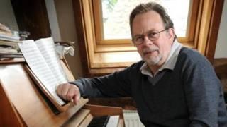 Tony Britten è il compositore che nel 1992 ha scritto l'inno della Champions