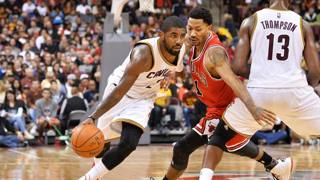Kyrie Irving contro Derrick Rose. Afp