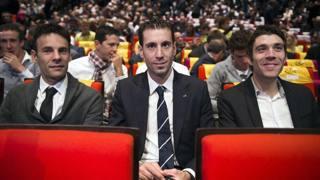 Occhi sul percorso del Tour per Jean-Christophe Peraud, Vincenzo Nibali e Thibaut Pinot. Afp