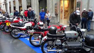 Un'esposizione di moto d'epoca