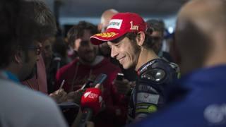 Valentino Rossi col sorriso verso Sepang. Getty
