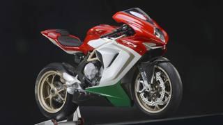 La MV Agusta F3 800 nella serie limitata dedicata a Giacomo Agostini