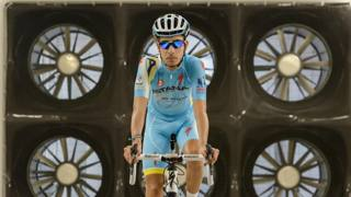 Fabio Aru nella galleria del vento di Morgan Hill. Carson Blume