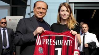 Silvio Berlusconi e la figlia Barbara, rispettivamente presidente e a.d. del Milan. Ansa