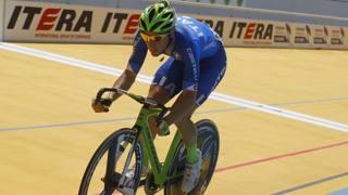 Elia Viviani ai recenti Europei su pista in Guadalupa dove ha vinto l'oro nell'omnium. Bettini