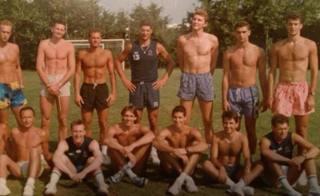 Tofoli (3� da sinistra in piedi), De Giorgi (6� da sinistra seduto): l'Italia campione del Mondo
