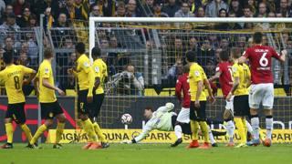 La rete di Kiyotake dell'Hannover che condanna il Borussia. Action Images