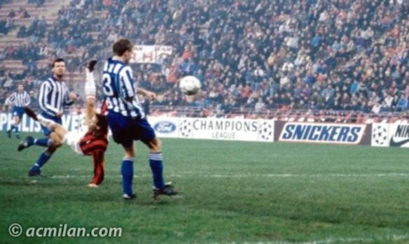 Un gol alla Van Basten: la rovesciata al Goteborg.