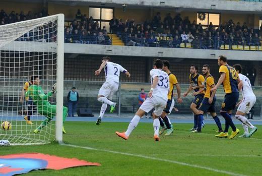 Rodriguez porta avanti la Fiorentina al Bentegodi contro il Verona. Ansa