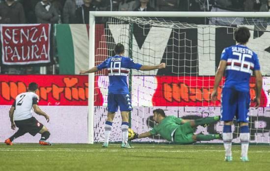 Il romeno Nica però con un tocco maldestro trasforma in autorete un innocuo cross dalla destra dei doriani: è il gol dell'1-1 finale. Ansa