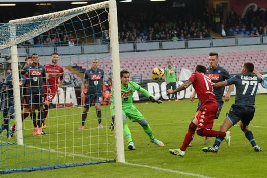 Arriva il primo gol (di giornata) di Farias per il momentaneo 2-2. San Paolo gelato. Ansa