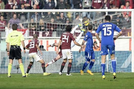 Antonio Floro Flores è il primo marcatore di giornata (esclusi gli anticipi di sabato): il suo colpo di testa decide Torino-Sassuolo 0-1. LaPresse