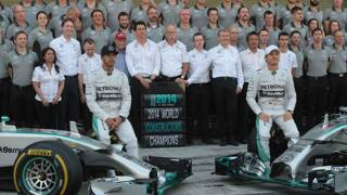 Hamilton e Rosberg alla sfida finale per il titolo piloti. LaPresse