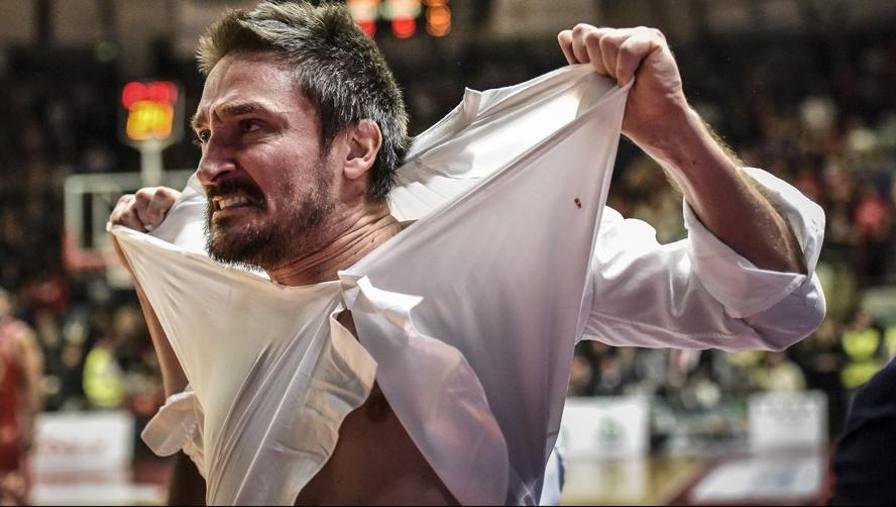 Ultime Notizie: Pozzecco fa Hulk con Milano Trento vince la maratona