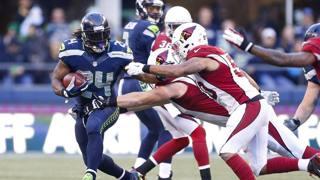 Il running back dei Seattle Seahawks Marshawn Lynch contro gli Arizona Cardinals. REUTERS