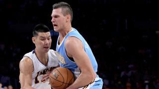 Danilo Gallinari contro Jeremy Lin. Reuters