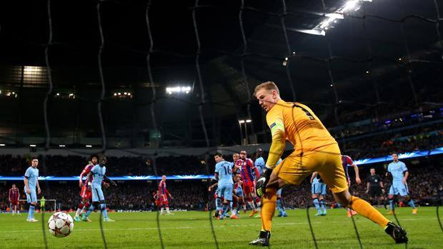 La punizione di Xabi Alonso sorprende Joe Hart. Getty