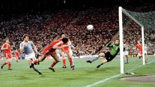 Il gol di Trevor Francis che permise al Nottingham Forest di battere il Malmoe e vincere la Coppa dei Campioni nel 1979.