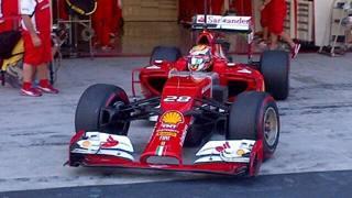 Raffaele Marciello, 19 anni, con la Ferrari nei test di Abu Dhabi.