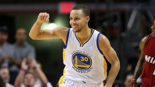 Stephen Curry : 40 punti e 8/11 da tre . Afp