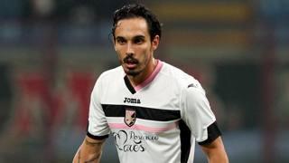 Francesco Bolzoni, centrocampista del Palermo. Forte