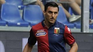 Nicolas Burdisso, difensore argentino alla prima stagione in rossoblù. Lapresse