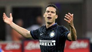 Hernanes, 29 anni, centrocampista dell'Inter. Forte