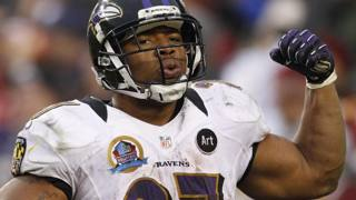 Ray Rice quando giocava per i Baltimore Ravens. Action Images