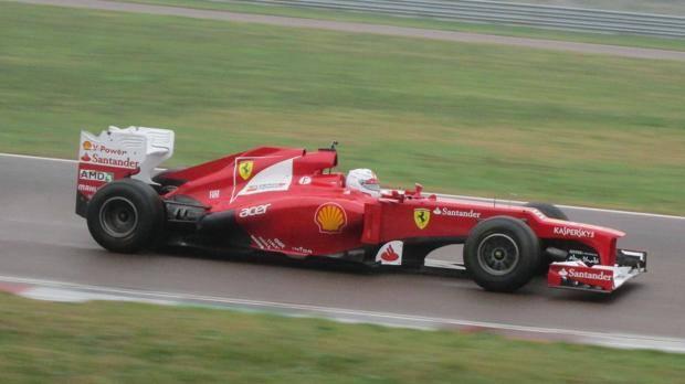 Sebastian Vettel a Fiorano con la F-2012: primi giri sulla Ferrari. Stefanini
