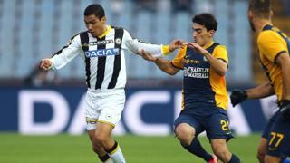 Allan, 23 anni, centrocampista dell'Udinese, in azione contro il Verona. Ap